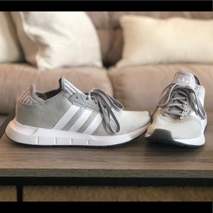 Adidas Swift Run Shoes (grey/white)